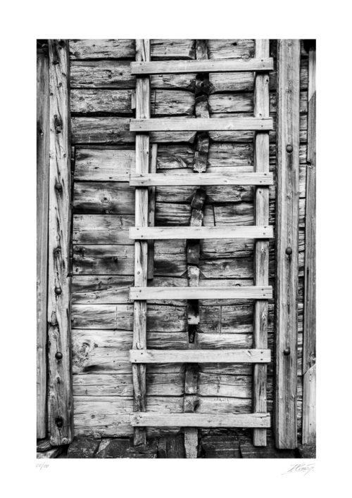 Échelle en bois rongée par le temps et les intempéries - Vieux port de Bergen - Norvège