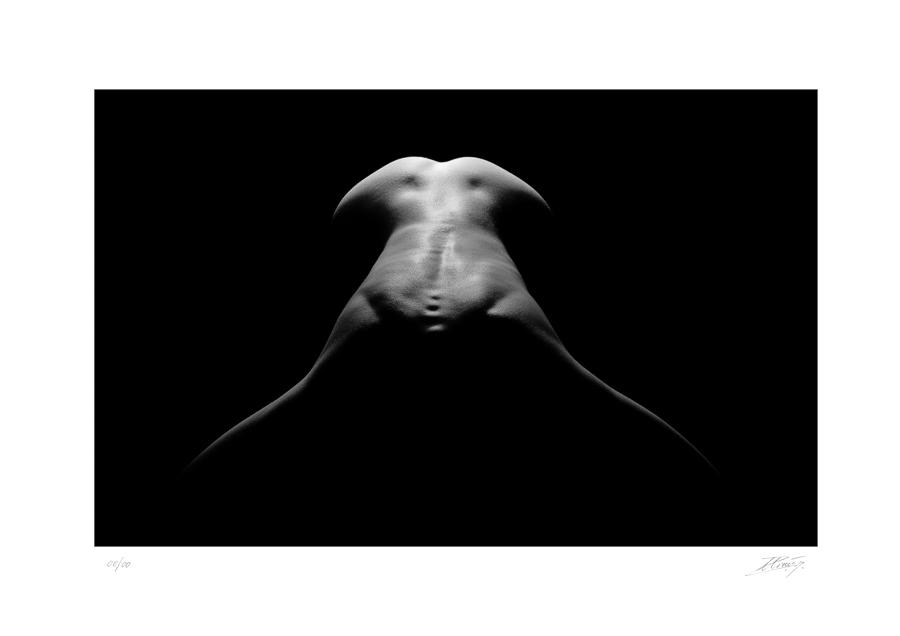 Aftershadows (Répliques d'Ombres) Le corps féminin dévoilé par l'Ombre