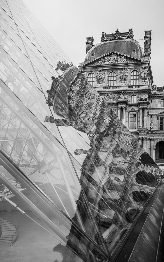 Le Louvre Paris - Street Photography